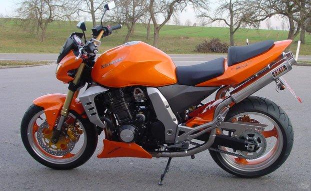 KAWASAKI Z1000 Mod 2005 Orange Galleriez031